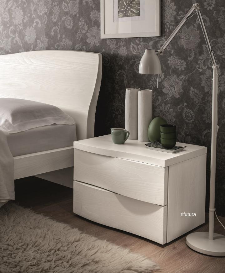 Gruppo notte sl pj spot mix cassetti ondulati com e comodini for Como x camera da letto